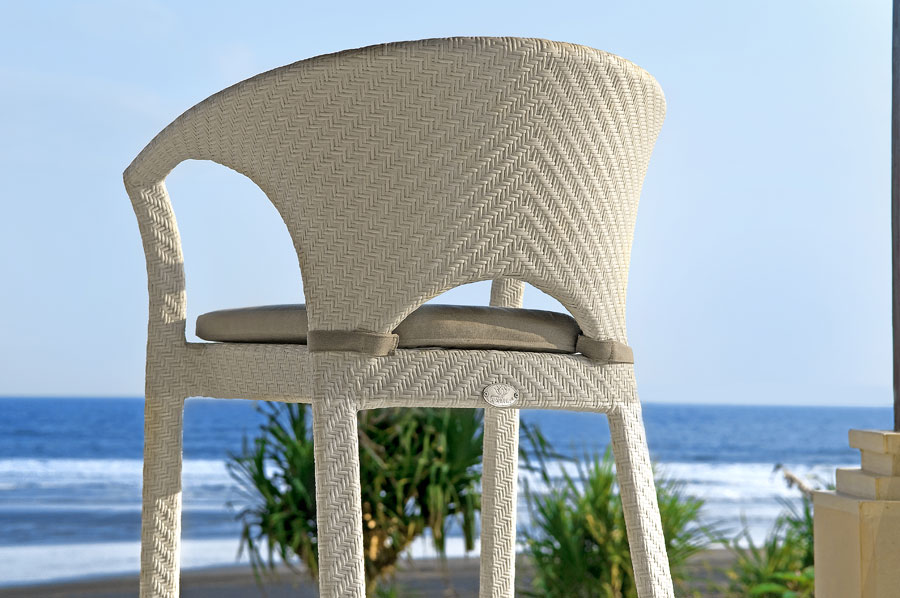 White polypeel UV synthetic rattan chair