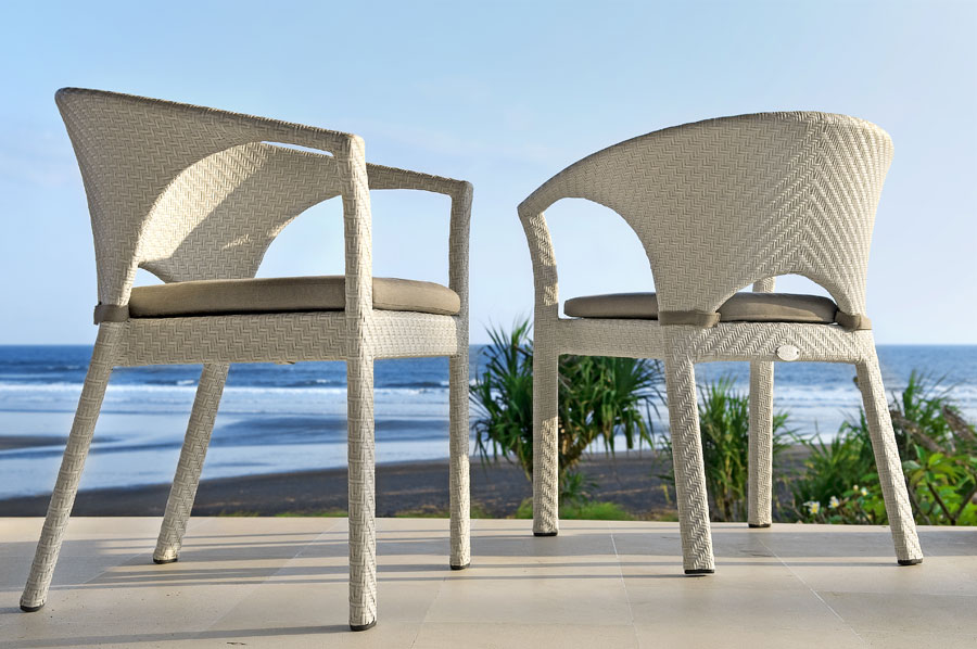 White synthetic wick chairs with aluminum frame